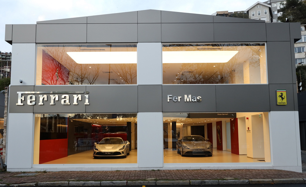 Ferrari-Showroom-01