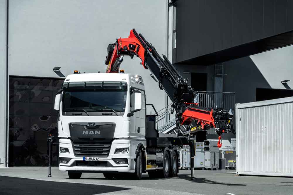man-tgx-eot-loadercrane-01