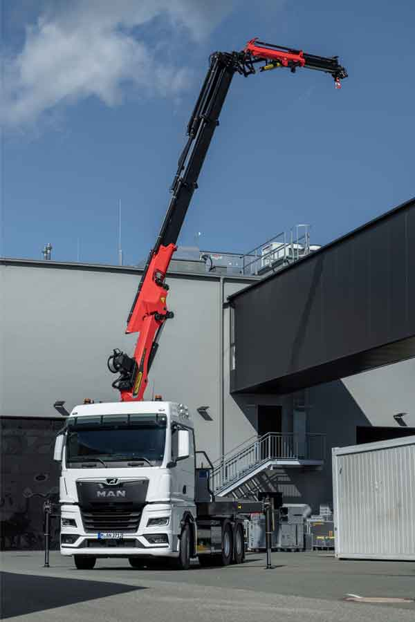 man-tgx-eot-loadercrane-02