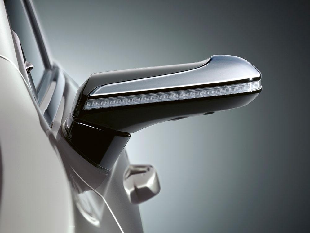 Lexus-ES-Dijital-Ayna-2
