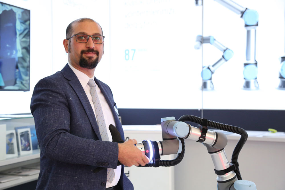 Universal-Robots-Turkiye-ve-MEA-ulke-Muduru-Kandan-ozgur-Gok