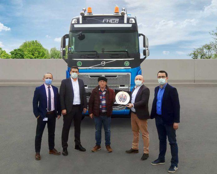 Volvo_Trucks_Zafer_Kardesler_Teslimat1