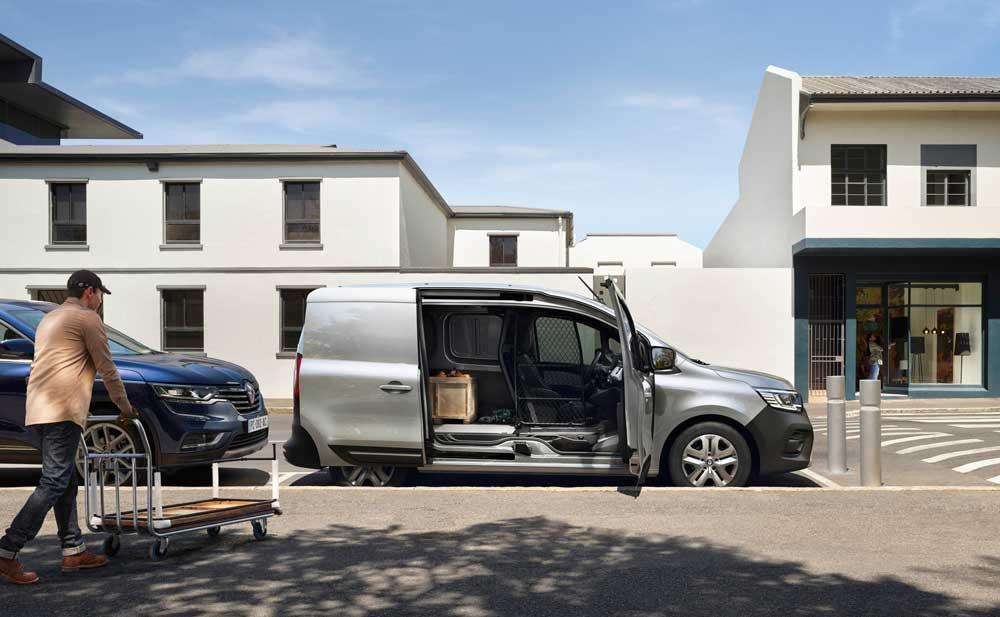 New_Renault_Kangoo_Van_on_location__1_