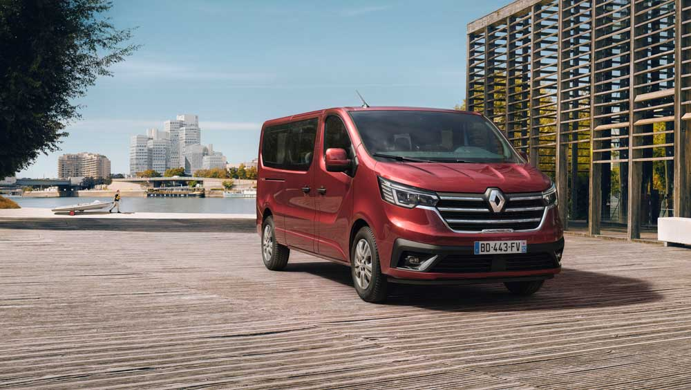 New_Renault_Trafic_on_location