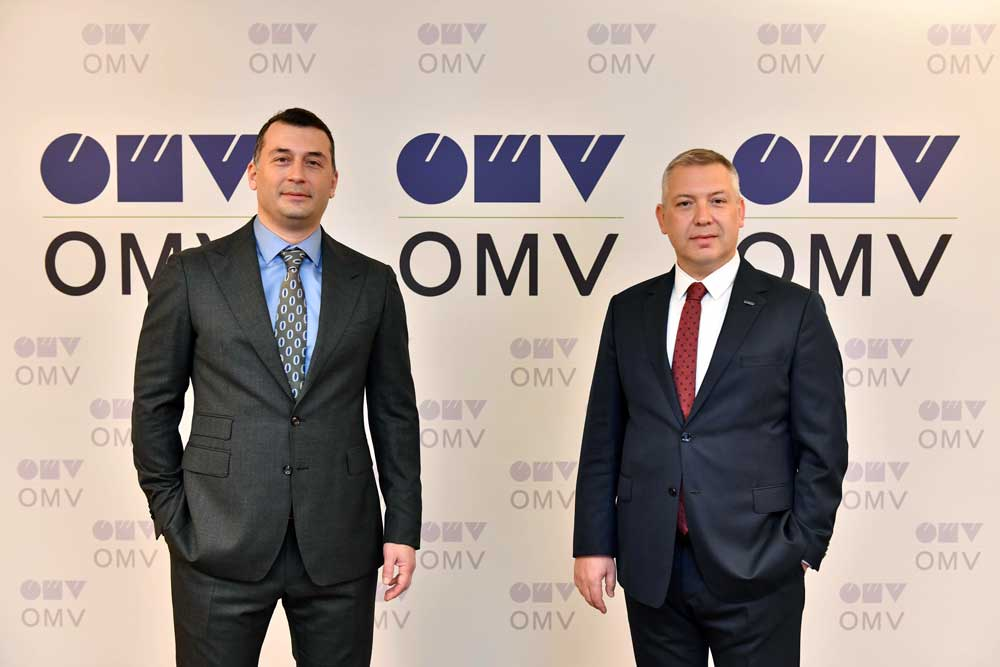 OMV_Turkiye_GM_Serkan_Hotoglu-IVECO_GM_Hakki_Isinak