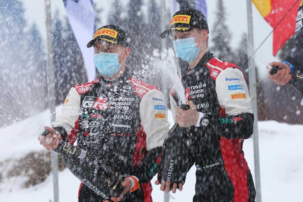 Toyota-WRC-Finlandiya-podyum-01