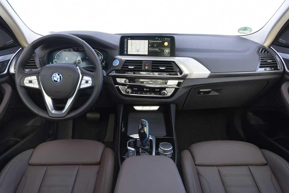 Yeni_BMW_iX3__4_