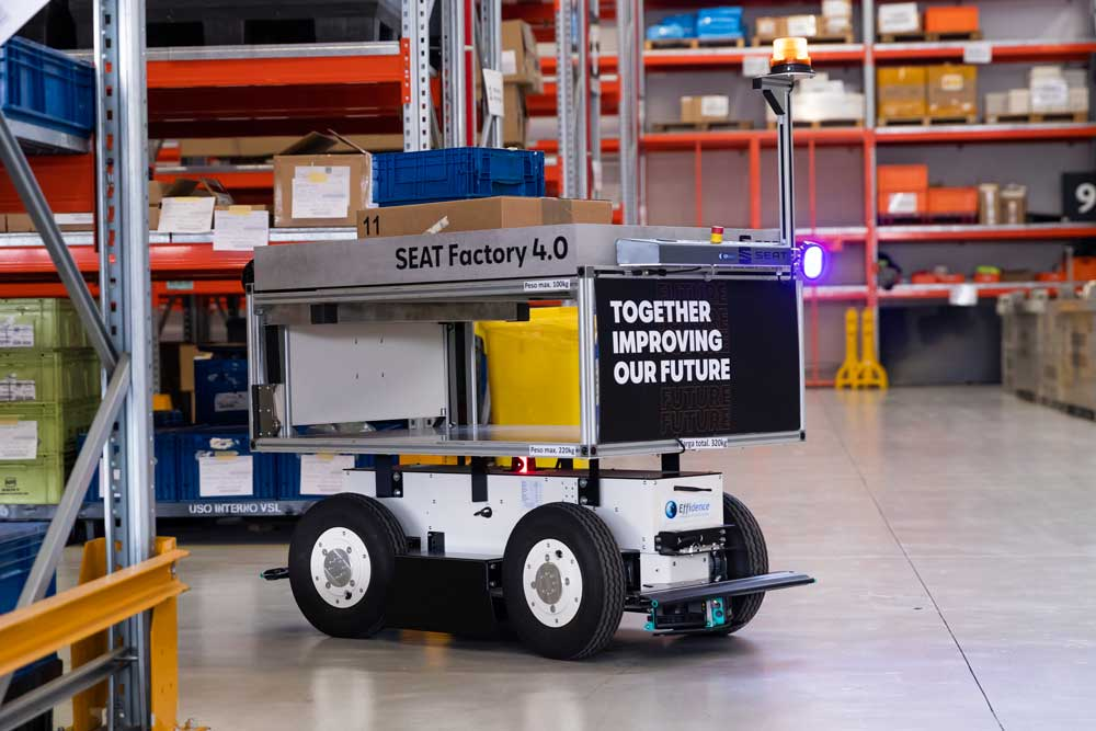 SEAT_SA_introduces_autonomous_mobile_robots_at_the_Martorell_plant_05_HQ