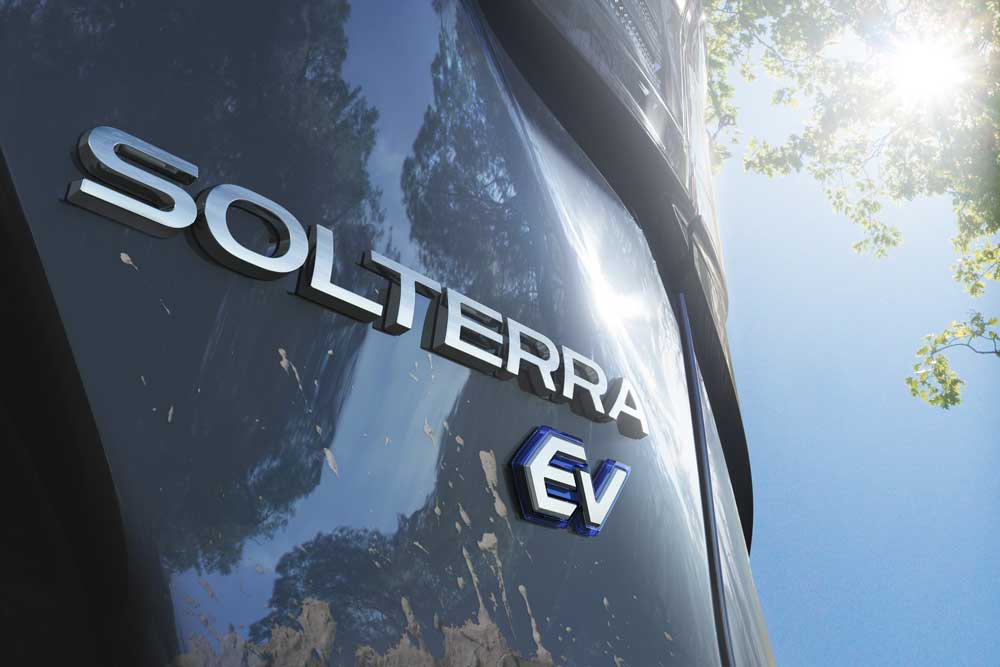 Subaru-SOLTERRA_Teaser_Arka