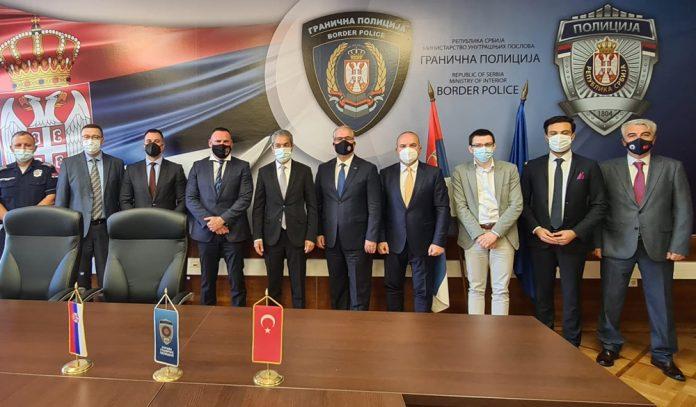 und-belgrad-buyukelcimiz-hami-aksoy-ile-sirbistan-sinir-polisi-idaresi-ile-kacak-gocmen-sorununu-gorustu-12