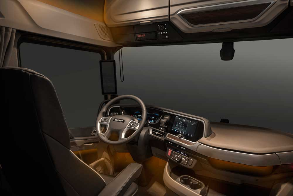 Ambiant-lights-for-homely-feeling-in-New-Generation-DAF-trucks