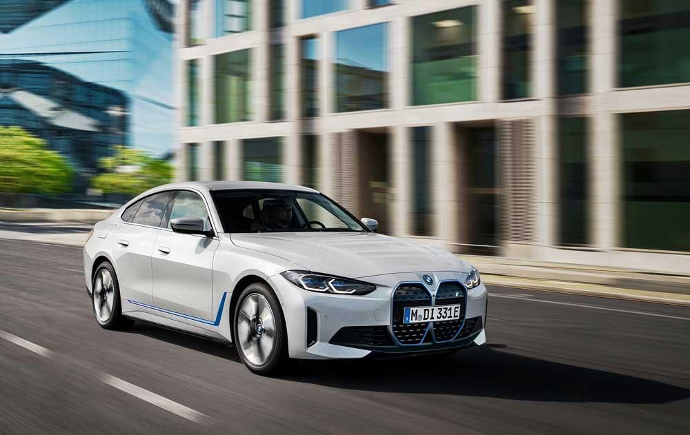 BMW_i4_on
