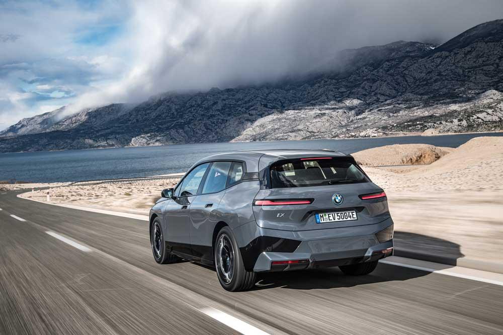 BMW_iX_Arka