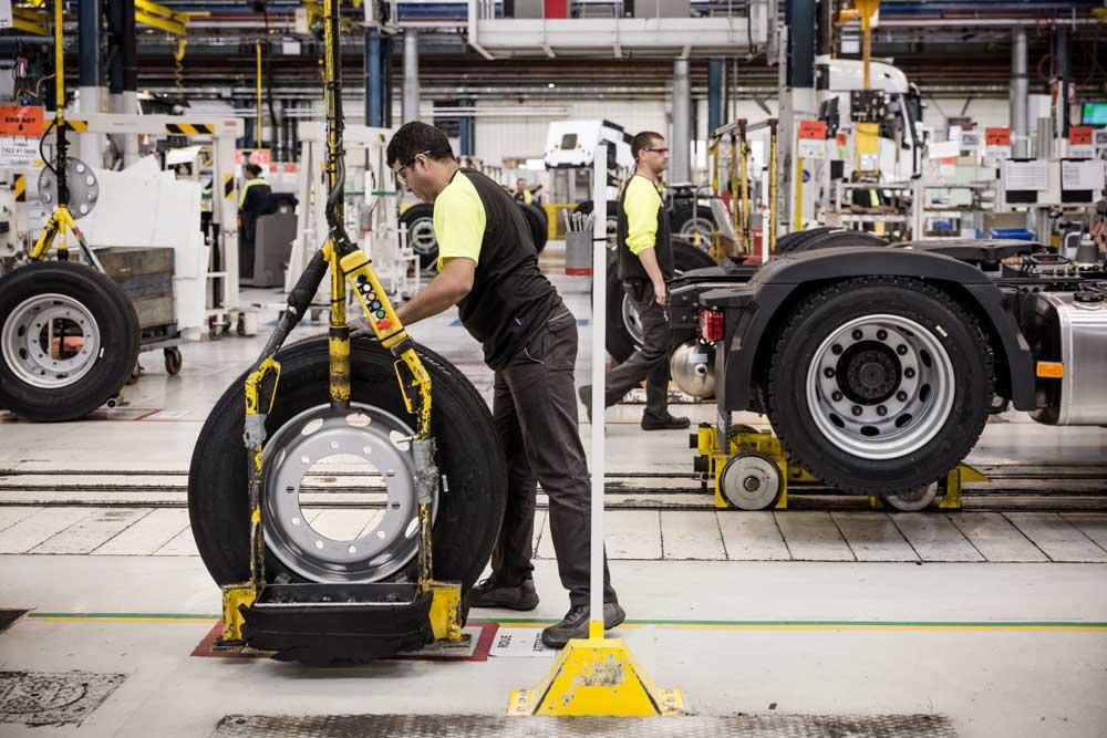 Renault-Trucks-Bourg-en-Bresse-plant_05