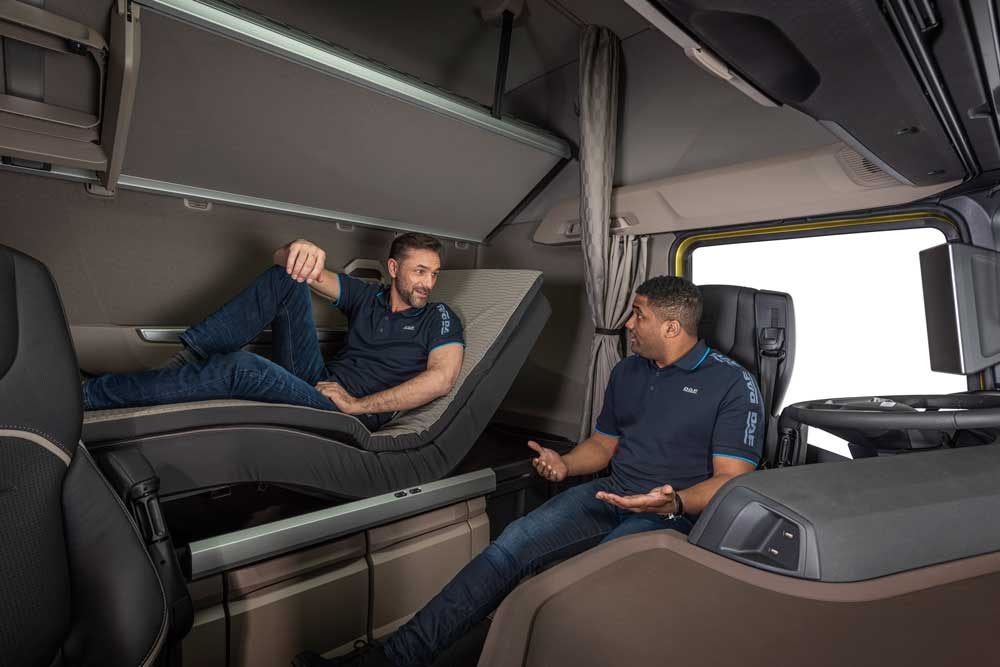 Swivel-chairs-and-relax-bed-for-unmatched-driver-comfort-in-New-Generation-DAF-trucks