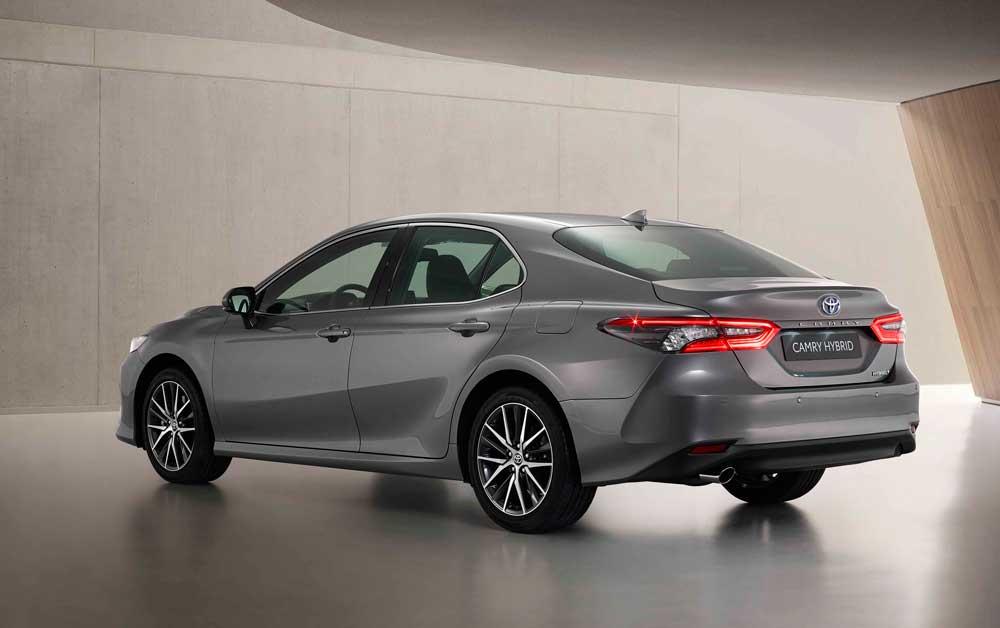 Toyota-Camry-Hybrid-2