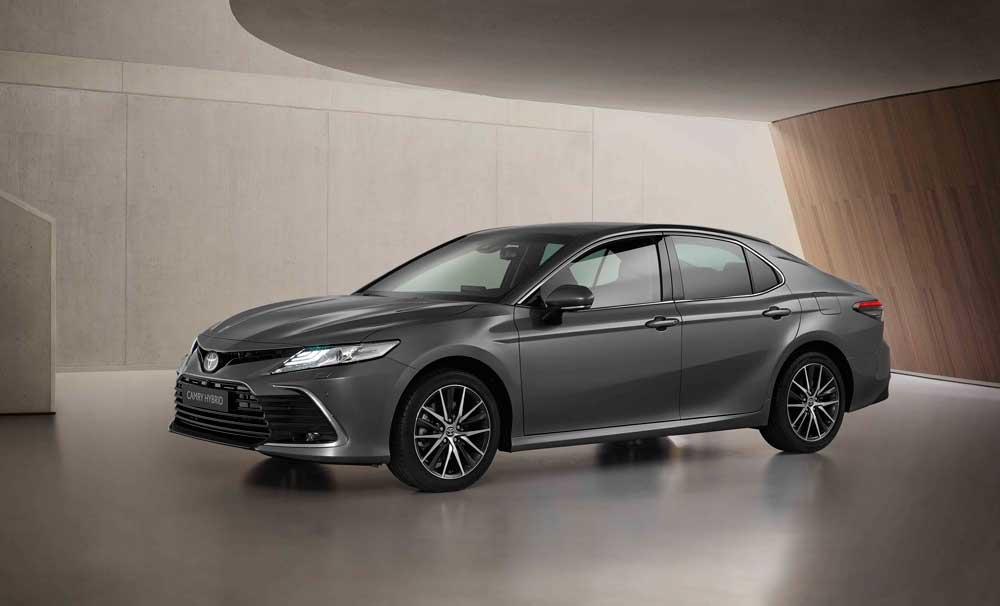 Toyota-Camry-Hybrid-7