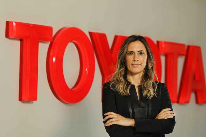 Toyota-Turkiye-Finans-Direktoru-Nilgun-Aydin-Turkucu-(2)
