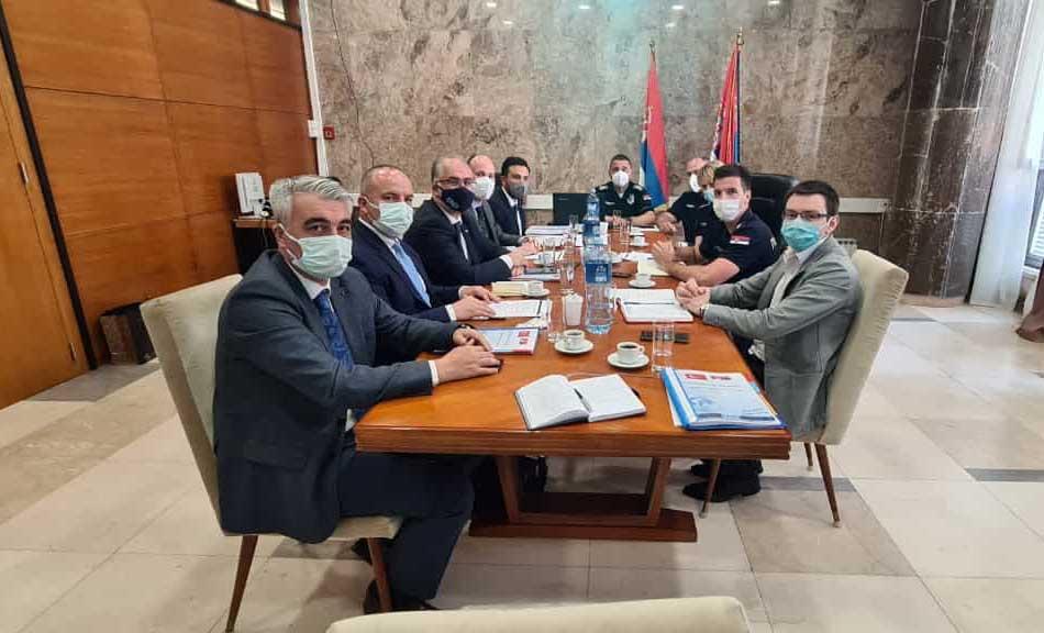 und-sirbistan-guvenlik-ve-ozel-trafik-kontrol-dairesi-ile-takograf-cezalarini-gorustu-8