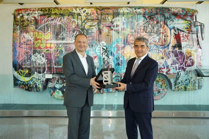 Cenk-Ugur-Sermet-Karsan-CEO-Okan-Bas