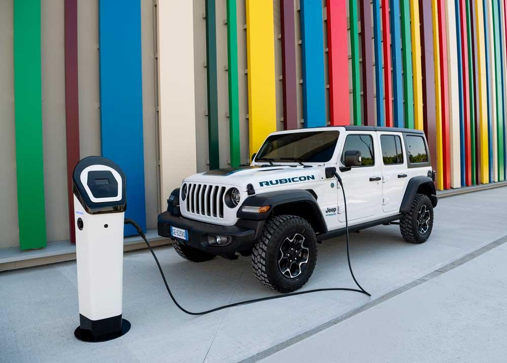 Jeep-Wrangler-Rubicon-4xe-2