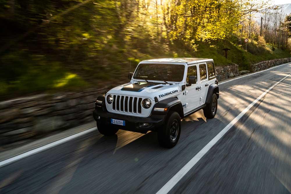 Jeep-Wrangler-Rubicon-4xe-3