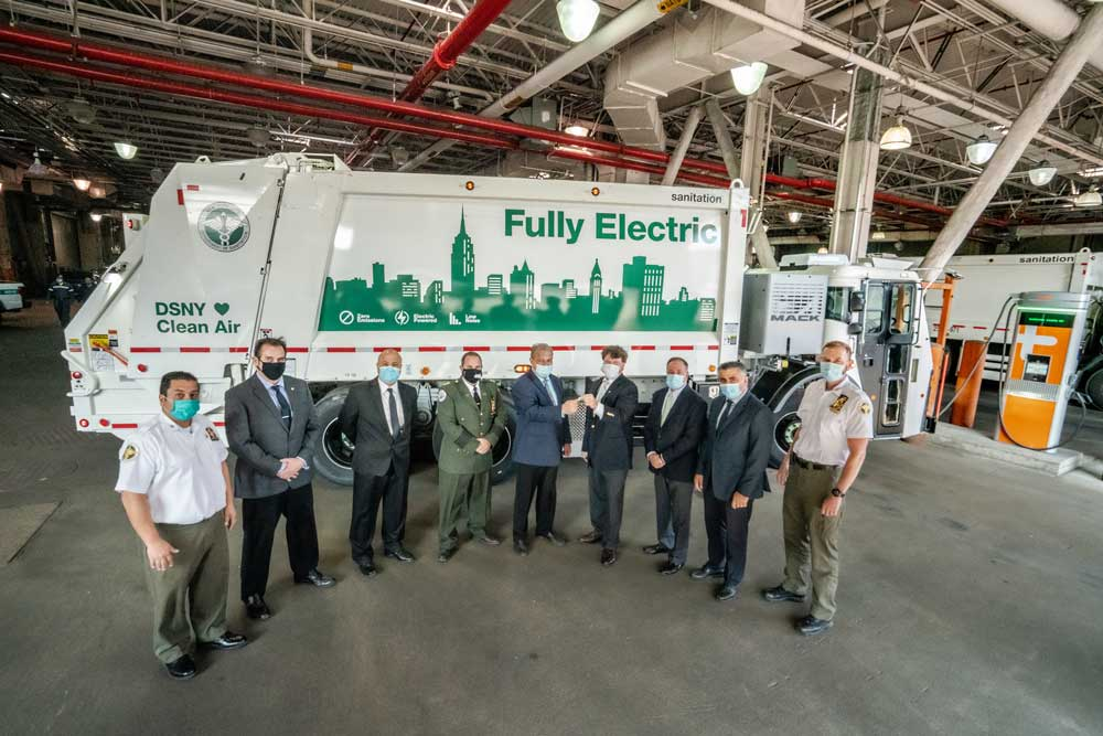 Mack-LR-Electric-with-DSNY