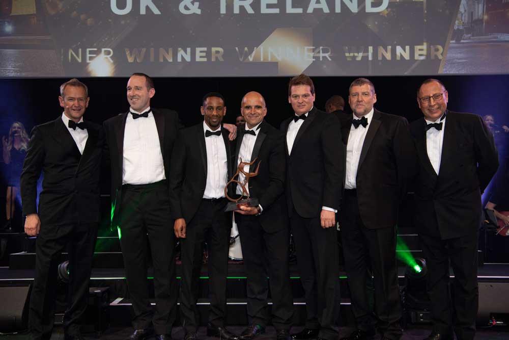 Renault-trucks-wins-Technical-Excellence-Award-at-Motor-Transport-Awards_02