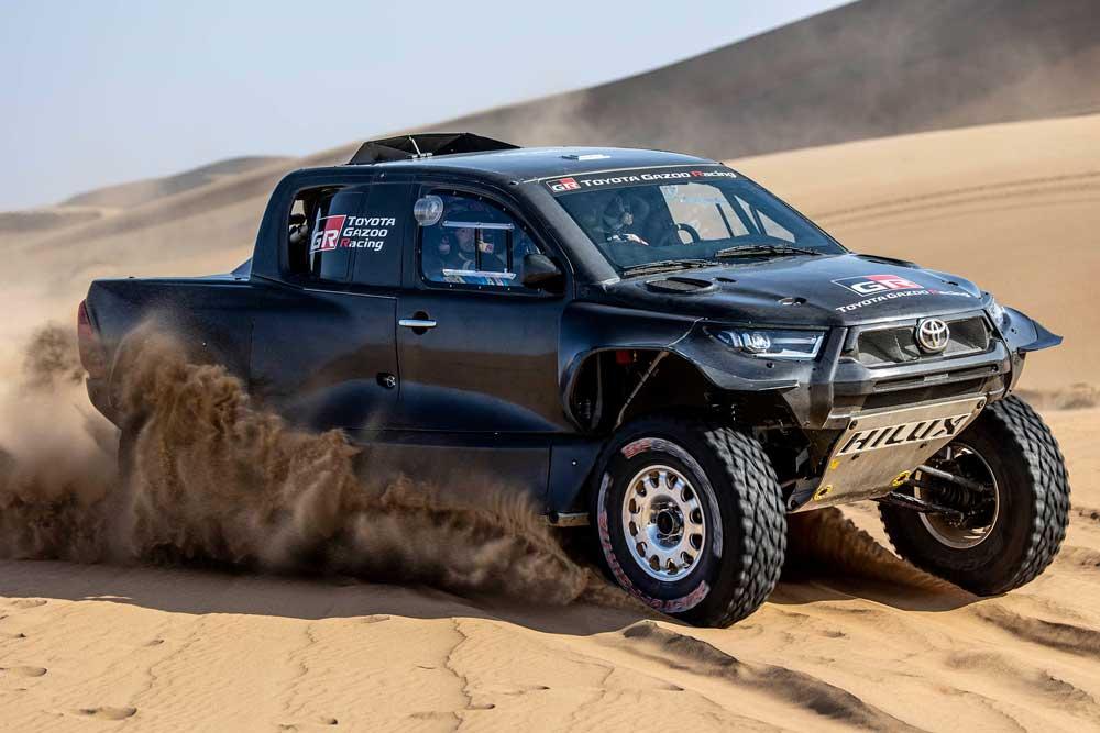 TOYOTA-GAZOO-Racing-Dakar-Rallisi-(3)