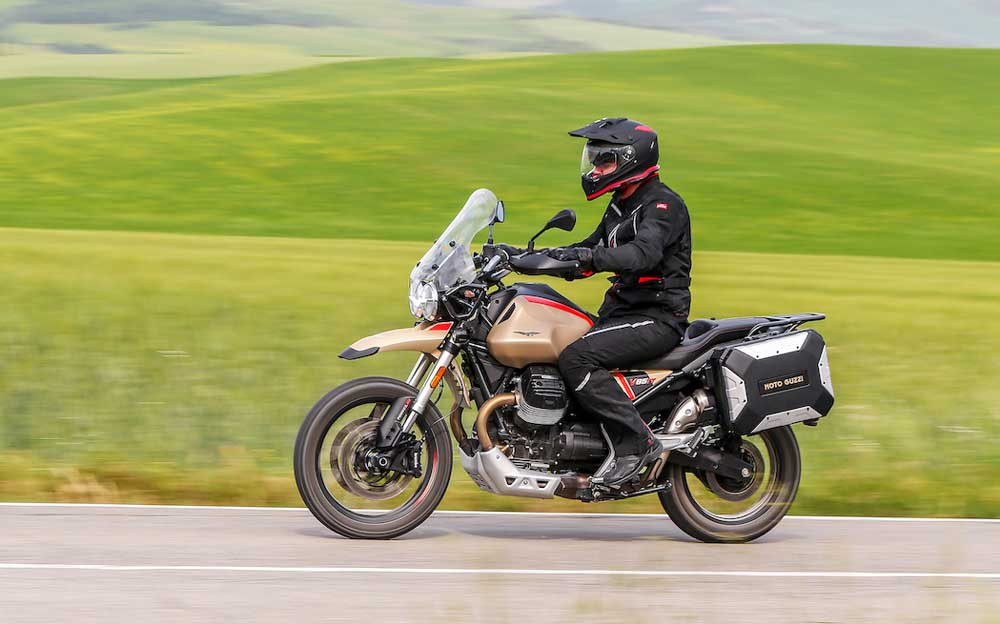 moto-guzzi-v85tt-travel-01