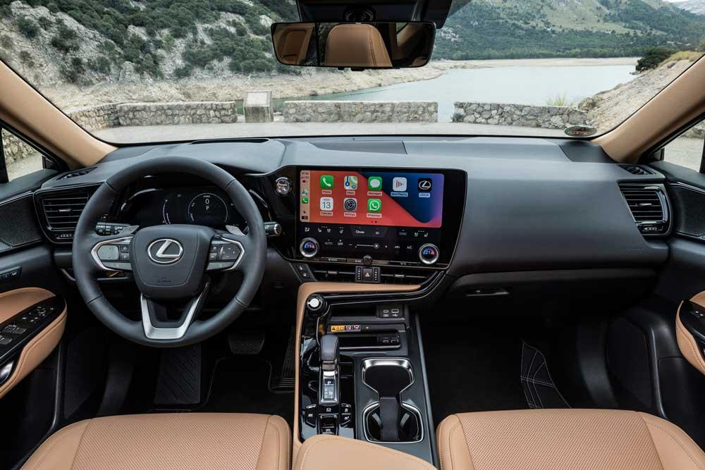 Lexus-NX-Kabin