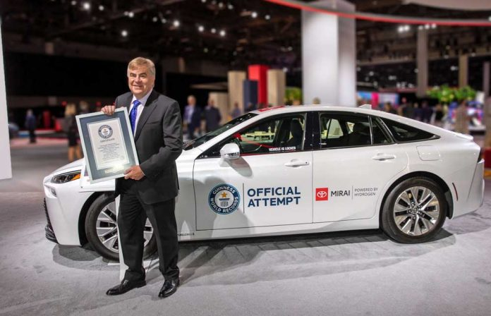 Toyota-Mirai-Guinness-Dunya-Rekoru-Kirdi